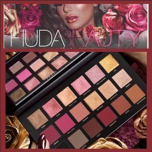 Huda Beauty Rose Gold Palette Brand New